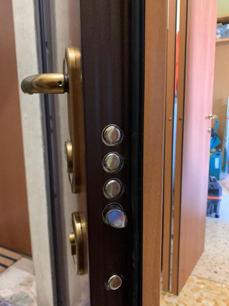porta blindata serratura profilo europeo