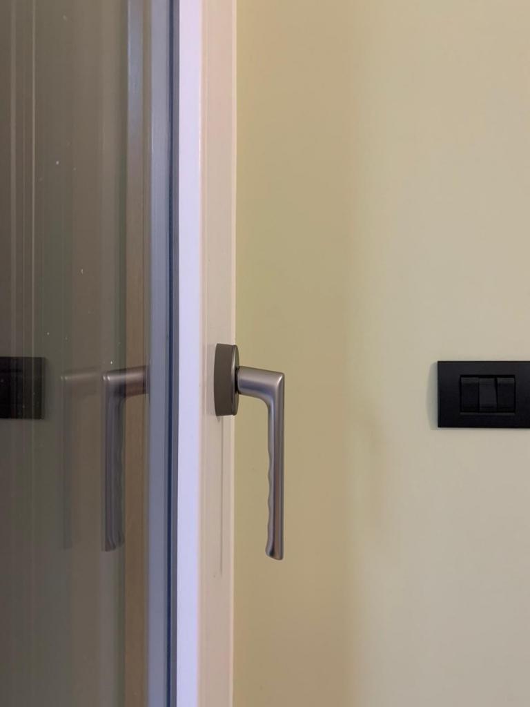 maniglione serramento