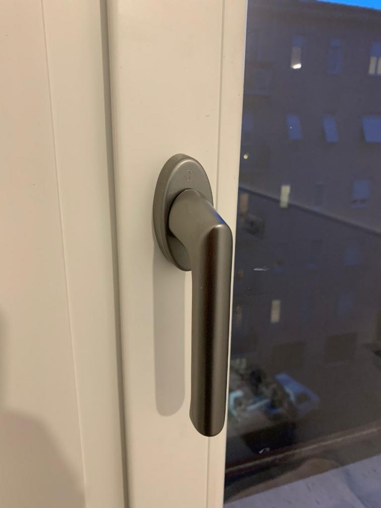maniglia serramento