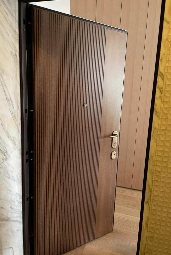 porta blindata pannello bugnato