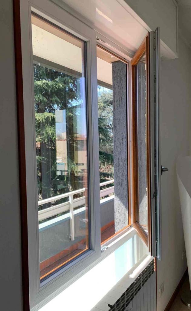 finestra bicolore