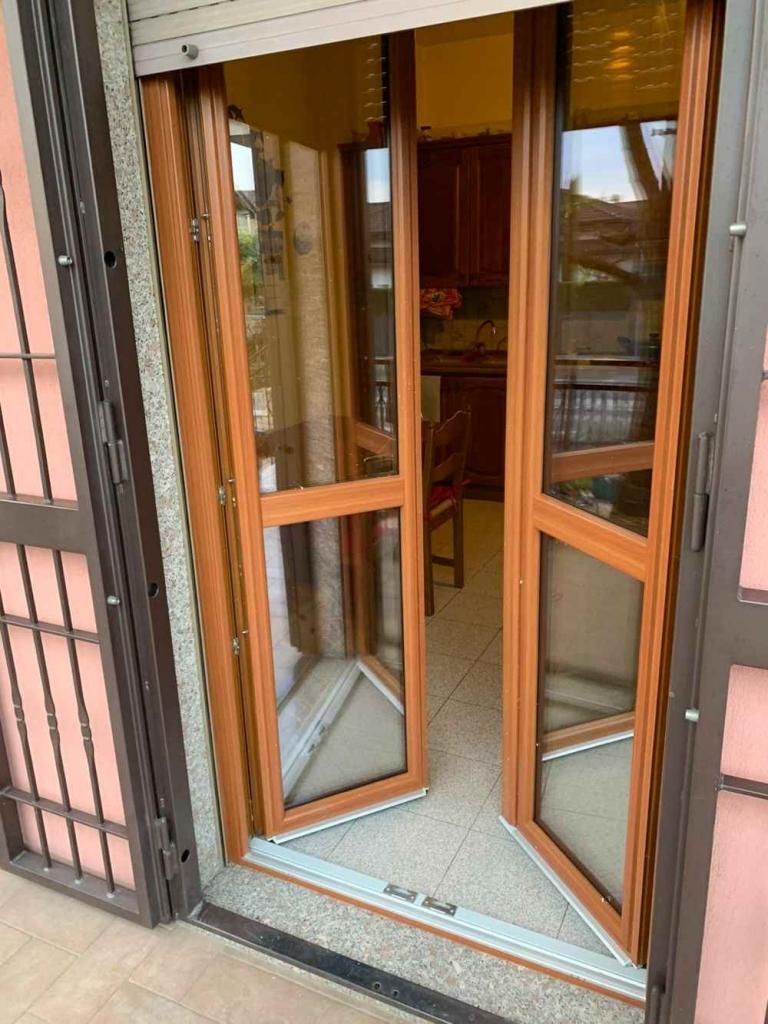 porta finestra pvc douglas